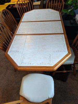 Kitchen table for Sale in Arvada, CO