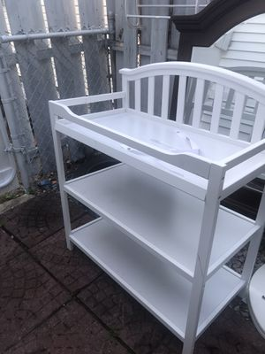 Changing table/shelf for Sale in Woodbridge Township, NJ