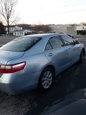Toyota camry xle 3.5l for Sale in Cincinnati, OH