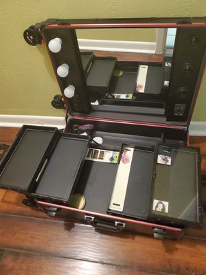Vanity for makeup for Sale in Mesquite, TX