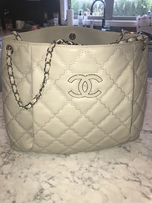 Authentic Chanel Bag for Sale in Charter Township of Clinton, MI
