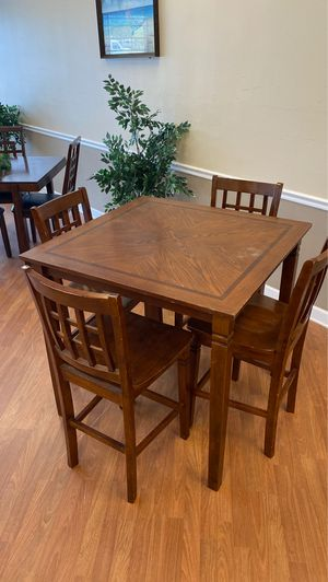 Dinning room table and chairs for Sale in Tampa, FL