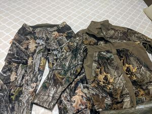 Soft Shell Pens and Jacket mid size for Sale in Phoenix, AZ