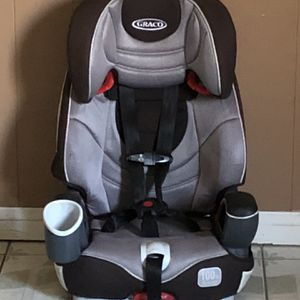 GRACO NAUTILUS CONVERTIBLE CAR SEAT 3 In 1 for Sale in Riverside, CA