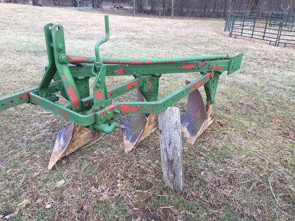 3 bottom plow 3 pt hitch