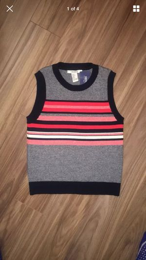 Striped Sweater vest forever 21 size SMALL for Sale in Washington, DC