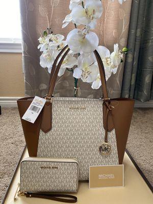 Michael Kors handbag tote purse bag with matching wallet set for Sale in San Antonio, TX