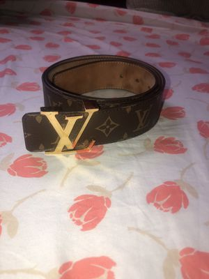 Louis Vuitton Brown Monogram Canvas for Sale in Queens, NY