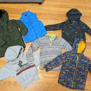 Lot Of 5T Clothes for Sale in San Leandro, CA