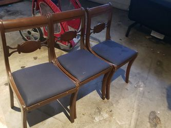 3 Old Chairs Free for Sale in Elma,  WA