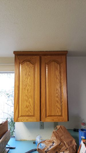 Upper cabinets FREE for Sale in Tacoma, WA