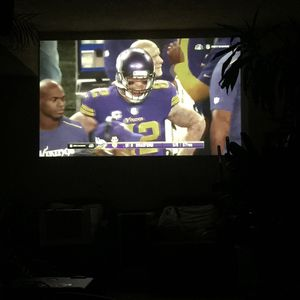 Hitachi 3LCD Hdmi projector (Amazing picture quality) for Sale in Fontana, CA