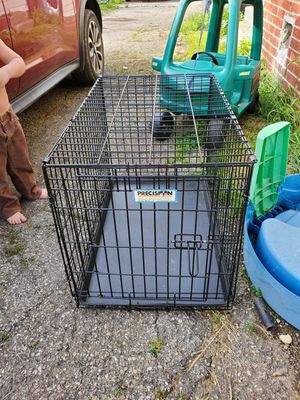 Medium size wire cage for Sale in Columbus, OH