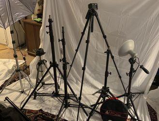 Photo studio equipment , light Stands, Tripods, lights, backdrop bars, Umbrellas, light disc for Sale in Santa Monica,  CA