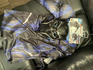 BRAND NEW NEVER USED. Disney Black Panther costume. Kids size 7-8 for Sale in Lakewood, CA