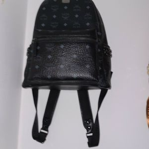 Black Mcm Backpack for Sale in Queens, NY
