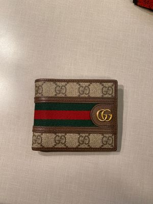 Gucci men's wallet for Sale in Auburn, WA