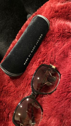 Marc Jacob sunglasses for Sale in Burbank, CA