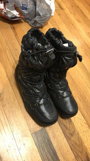 THE NORTH FACE women's boots like new for Sale in Chicago, IL