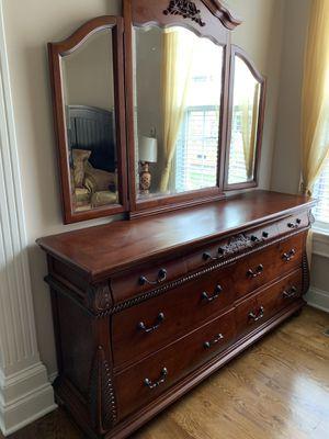 Two pieces Dresser & Mirror for Sale in Murfreesboro, TN