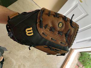 Wilson Baseball Glove for Sale in West Bloomfield Township, MI