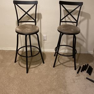 2 Counter Stools for Sale in Seattle, WA