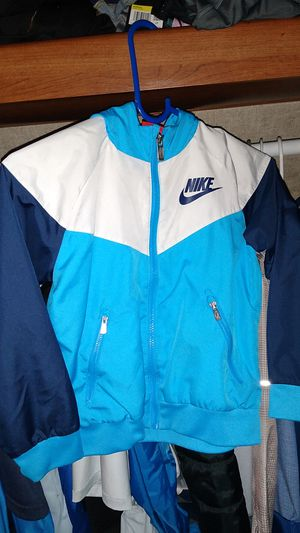 NIke sweater size 7 for Sale in Vacaville, CA