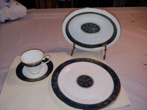 Carlyle by Royal Dalton China set for Sale in Lexington, KY