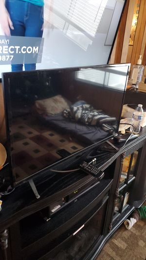 32 inch visio with remote for Sale in Lacey, WA