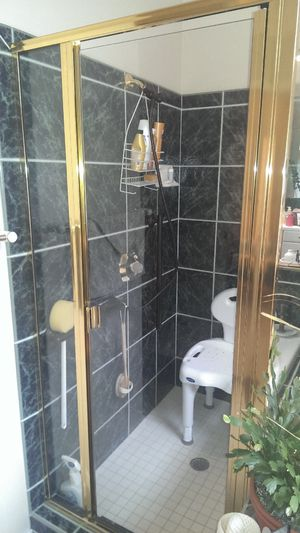 Bathroom shower glass (2 sides) with door and towel bar for Sale in Rowland Heights, CA