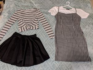 Teenage Girl Clothes, size 0 or women's XS for Sale in Bellevue, WA