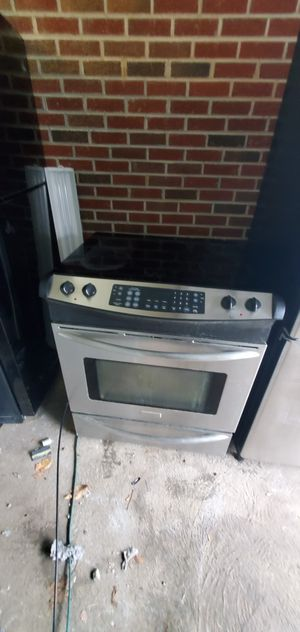 Fridge and stove and washer dryer for Sale in Cumberland, VA