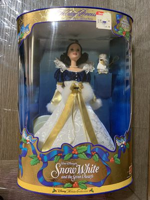 Disney collection Holiday princess edition Snow White for Sale in Wesley Chapel, FL