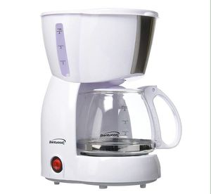 Brentwood 4 Cups Coffee Maker American White Cafetera 4 Tazas Blanca Cafe Americano TS-213W for Sale in Miami, FL