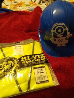 Construction Hard Hat & Yellow Construction Vest Never Used. for Sale in North Las Vegas,  NV