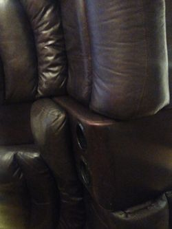 Brown Leather Dual Reclining Power Loveseat for Sale in Cleveland,  OH