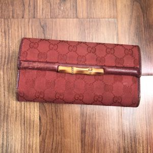 Gucci Red Vintage Canvas Bamboo Wallet for Sale in Moreno Valley, CA