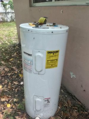 Hot water heater for Sale in Miami, FL
