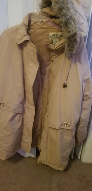 New, never worn, hooded parka, pockets, size 3X, $25, for Sale in Gardena, CA