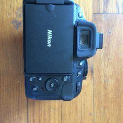 Nikon D5200 for Sale in Houston,  TX