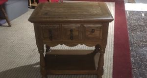 Vintage style end table for Sale in Columbus, OH