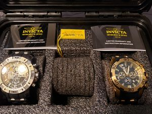 Men's Invicta watches and 3 slotted case for Sale in Fresno, CA