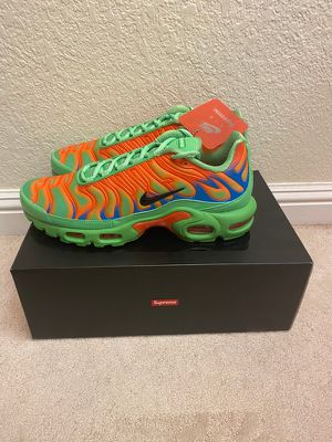 SUPREME X NIKE AIR MAX PLUS MEAN GREEN for Sale in Houston, TX