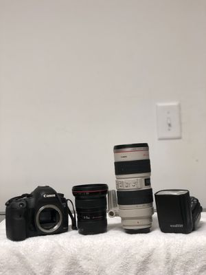 I am selling my equipment canon mkiii, 16-35/2.8mm, 70-200/2.8mm, speedlight 600rx/rt. The first slot camera is not working but slot two is perfect c for Sale in Newark, NJ