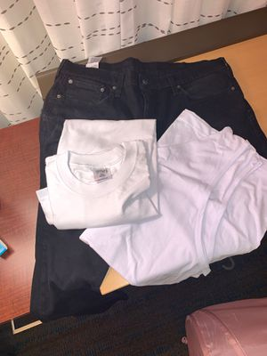 Men's clothes 502 jeans and white T for Sale in Buena Park, CA