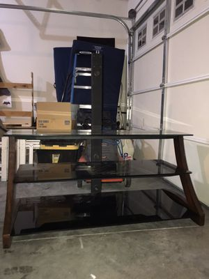 TV stand with mount for Sale in OR, US