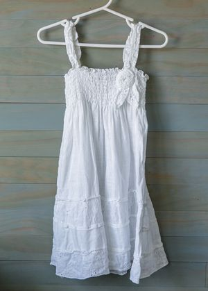 White linen tiered white dress with embroidered details 2T for Sale in Chula Vista, CA