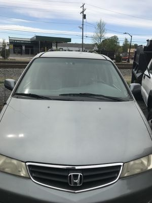 Honda mini van 2002 for Sale in Framingham, MA