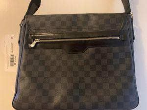 Louis Vuitton Unisex Messenger Bag for Sale in North Las Vegas, NV