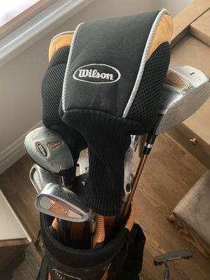 Wilson Golf Bag With Golf Club Set (Women's) for Sale in Altadena, CA